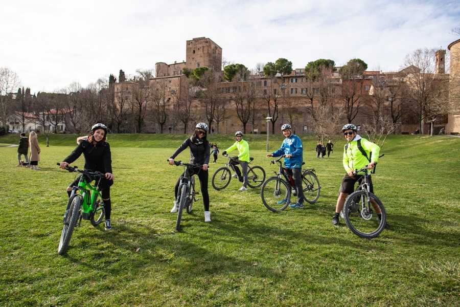 VisitRimini Cycling in the vineyard with tasting
