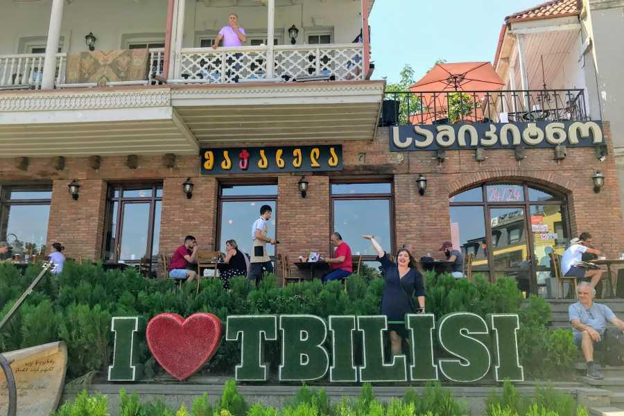 Friendly.ge Групповая экскурсия по старому Тбилиси