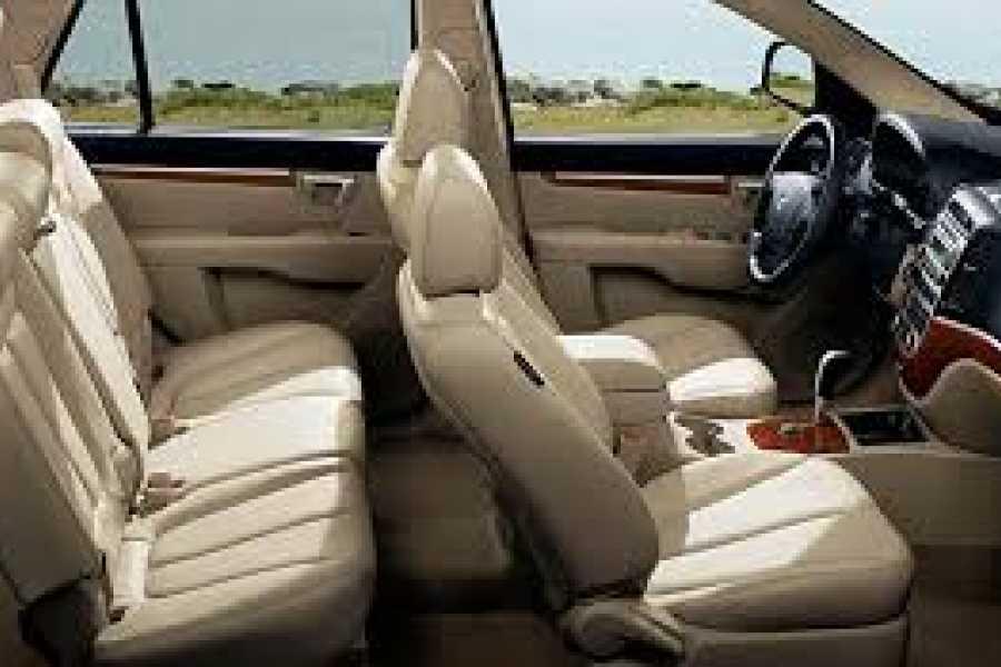 Tour Guanacaste Hyundai Santa-Fe Adobe SUV Rental