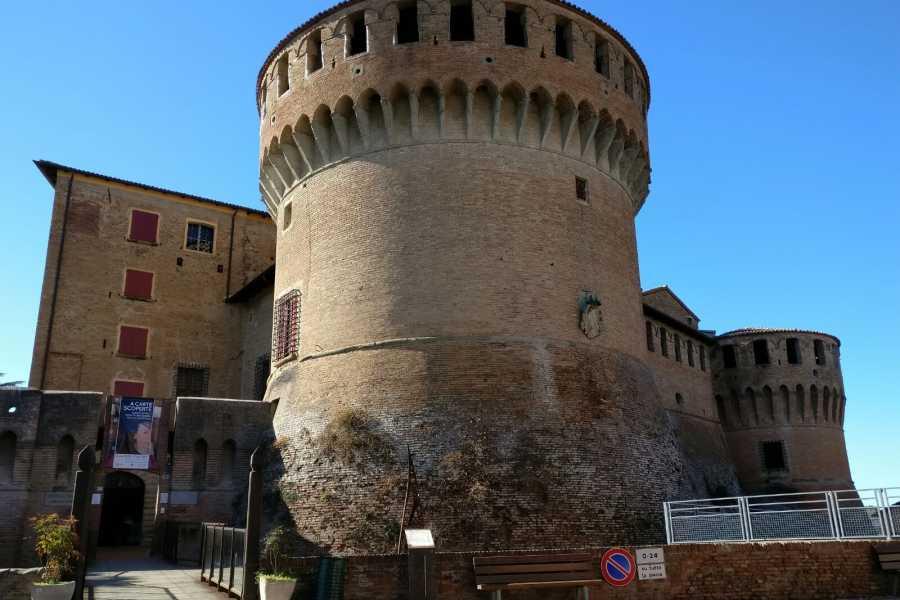 Bologna Welcome - eXtraBo Family Bike Tour: da Imola a Dozza