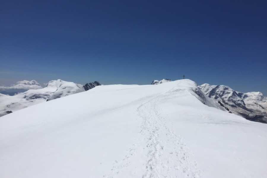 Saas-Fee Guides Alphubel 4206m ab Täschhütte