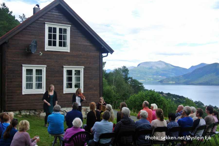 Travel like the locals (Møre og Romsdal) Utforsk Sekken (rundtur)