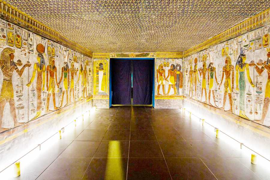 Marsa alam tours 2 day trip to Luxor from Soma bay