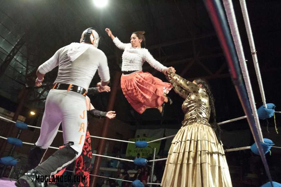 Red Cap Sunday, Thursday & Tuesday Extended City Tour and Cholita Wrestling