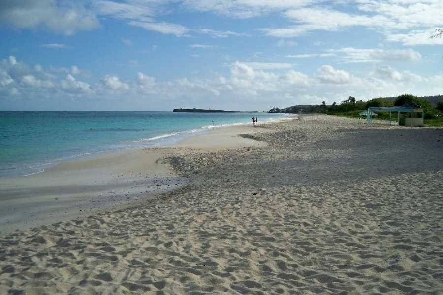 Voyages Antigua Tours & Services Antigua Beach Break