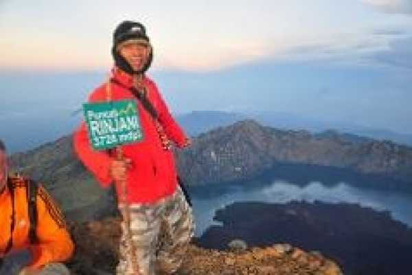2 Days 1 Night Rinjani Crater Rim Summit Trek