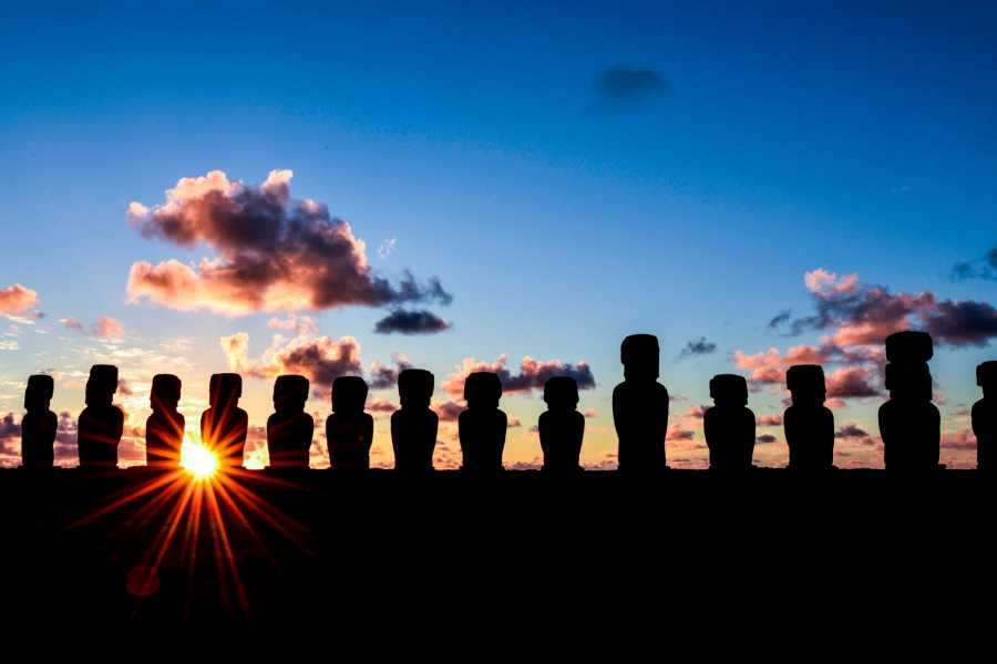 Green Island Tours - Easter Island Tongariki Sunrise