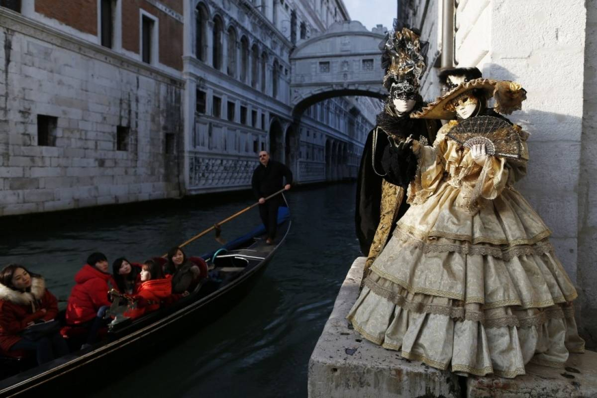 Italy on a Budget tours CARNIVAL OF VENICE - day trip from Florence