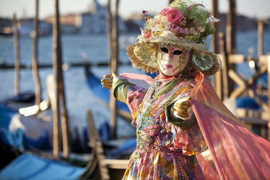 Italy on a Budget tours VENICE CARNIVAL  - 3 days/2 nights
