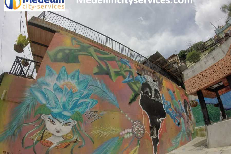 Medellin City Tours SHARED GRAFFITI TOUR