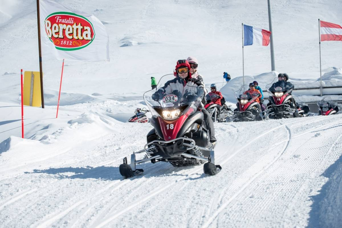 HB Adventure Switzerland AG Motorschlitten Tour 6: Splügenpass und Lago Nero