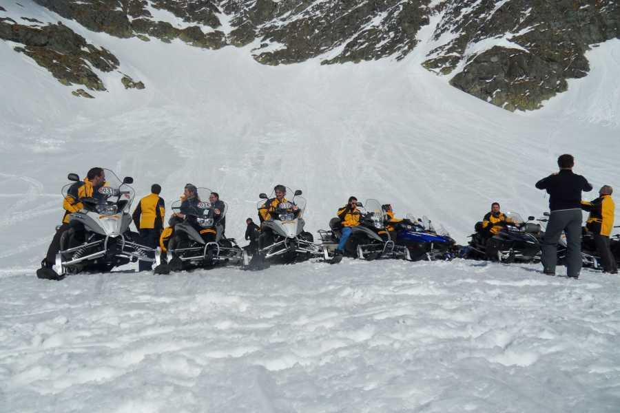 HB Adventure Switzerland AG Snowmobile Tour 2: Lago Nero