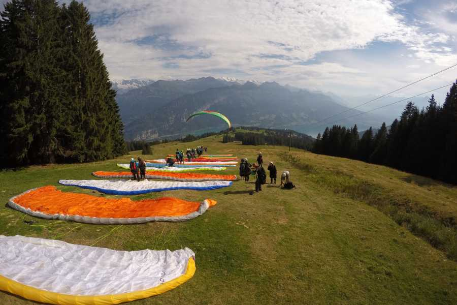 "Paragliding Interlaken GmbH - Paragliding ""Big Blue"" Summer"