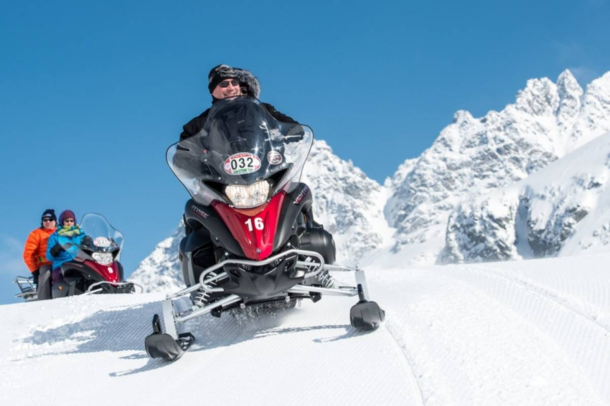 HB Adventure Switzerland AG Motorschlitten Tour 6L: Luxustour inkl. Mittagessen