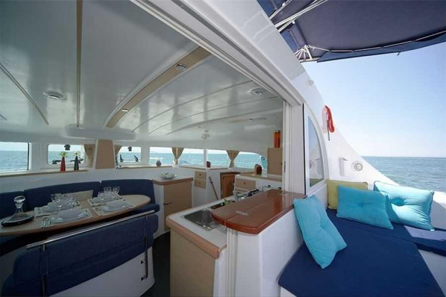 SailandPlay,SLU 3 Hour WINTER 2019 Luxury Sailing Catamaran Cruise