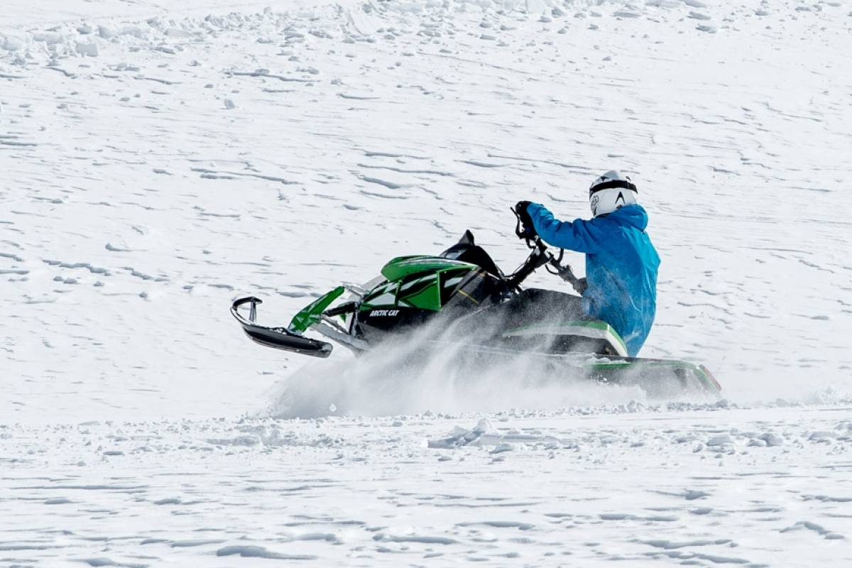 HB Adventure Switzerland Snowmobile Tour 8: Day Trip