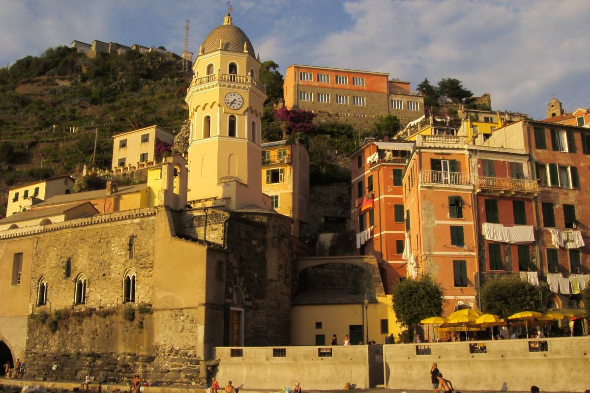 Tuscany on a Budget tours PISA & CINQUE TERRE day trip - Winter 01/11 - 31/03