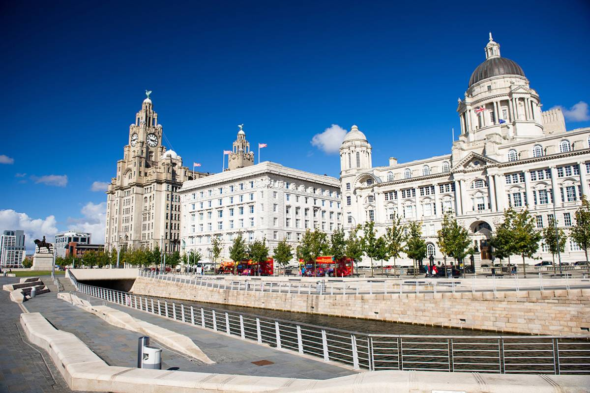 SANDEMANs NEW Liverpool Tours Tour de Los Beatles, Guerra y Cultura en Liverpool