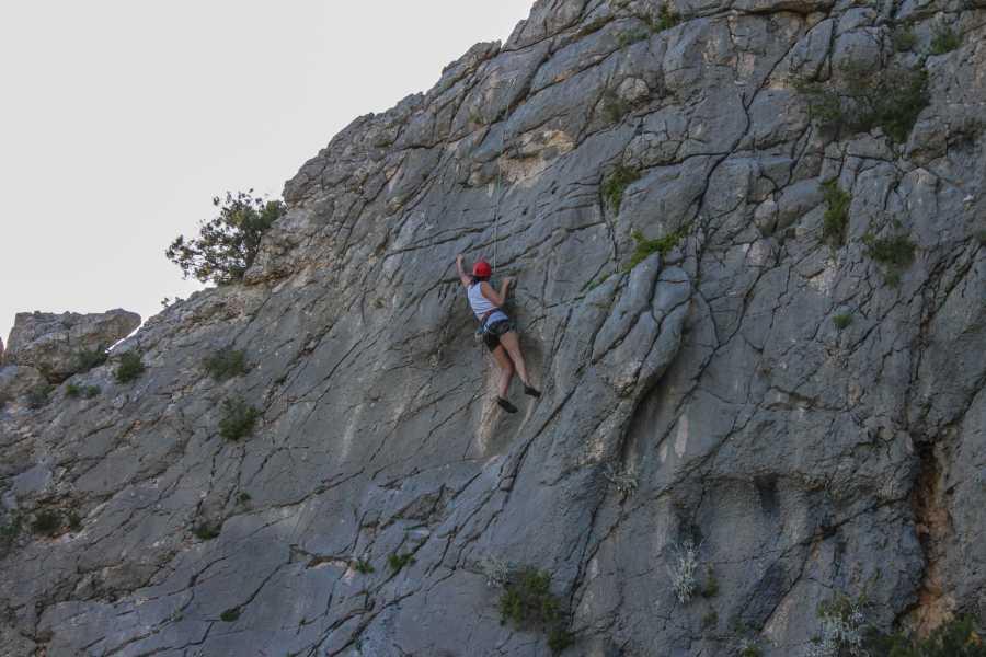 Aktivni Odmor Rock climbing from Hvar