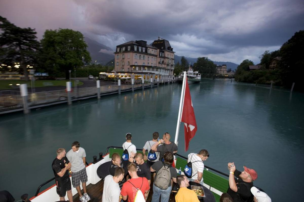 Interlaken Tourismus Swiss Barbecue Cruise