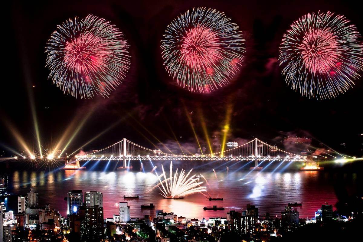 Kim's Travel Busan Fireworks Festival