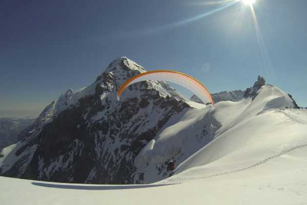 6 - THE STAR  PARAGLIDING  FLY DAY