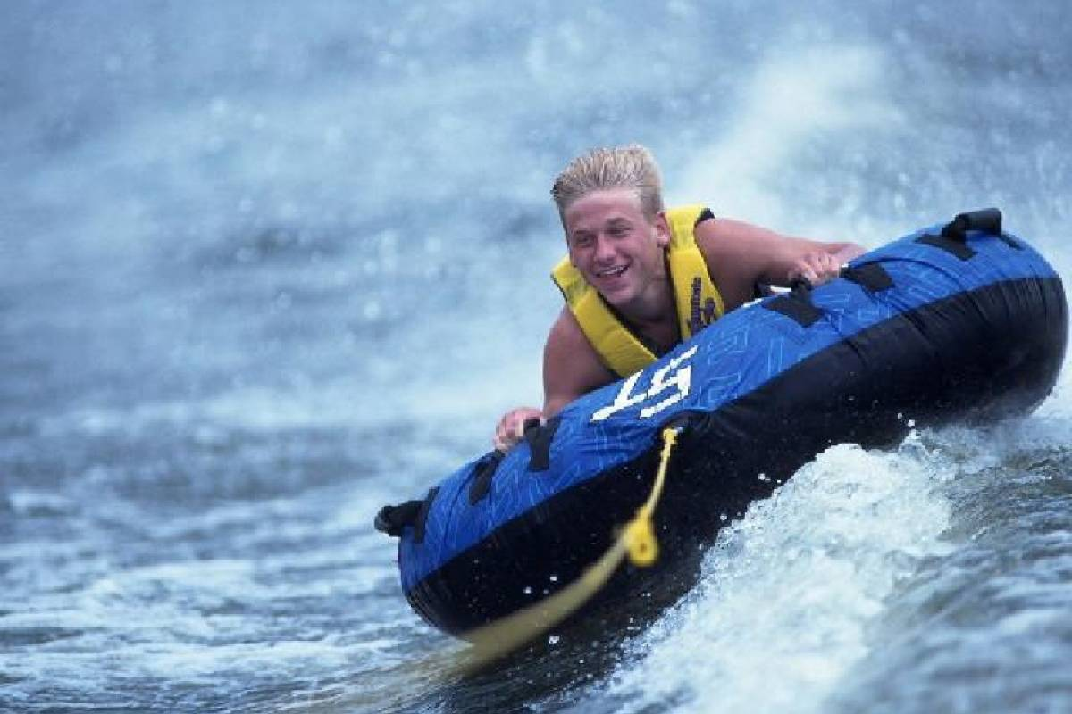 Aqua Mania Adventures WATERSPORTS - WAVE RUNNER DOUBLE (1/2 HOUR)