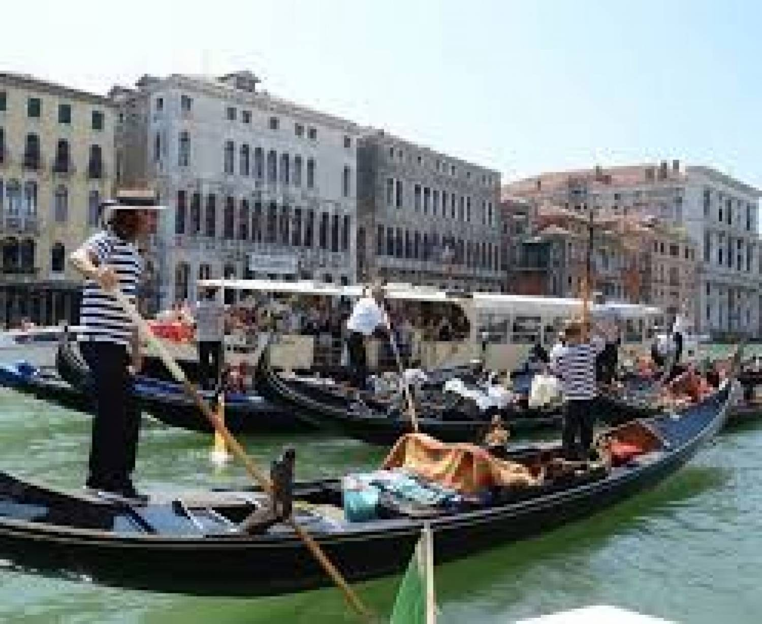 Classic Venice Gondola Ride Tuscany On A Budget One Of