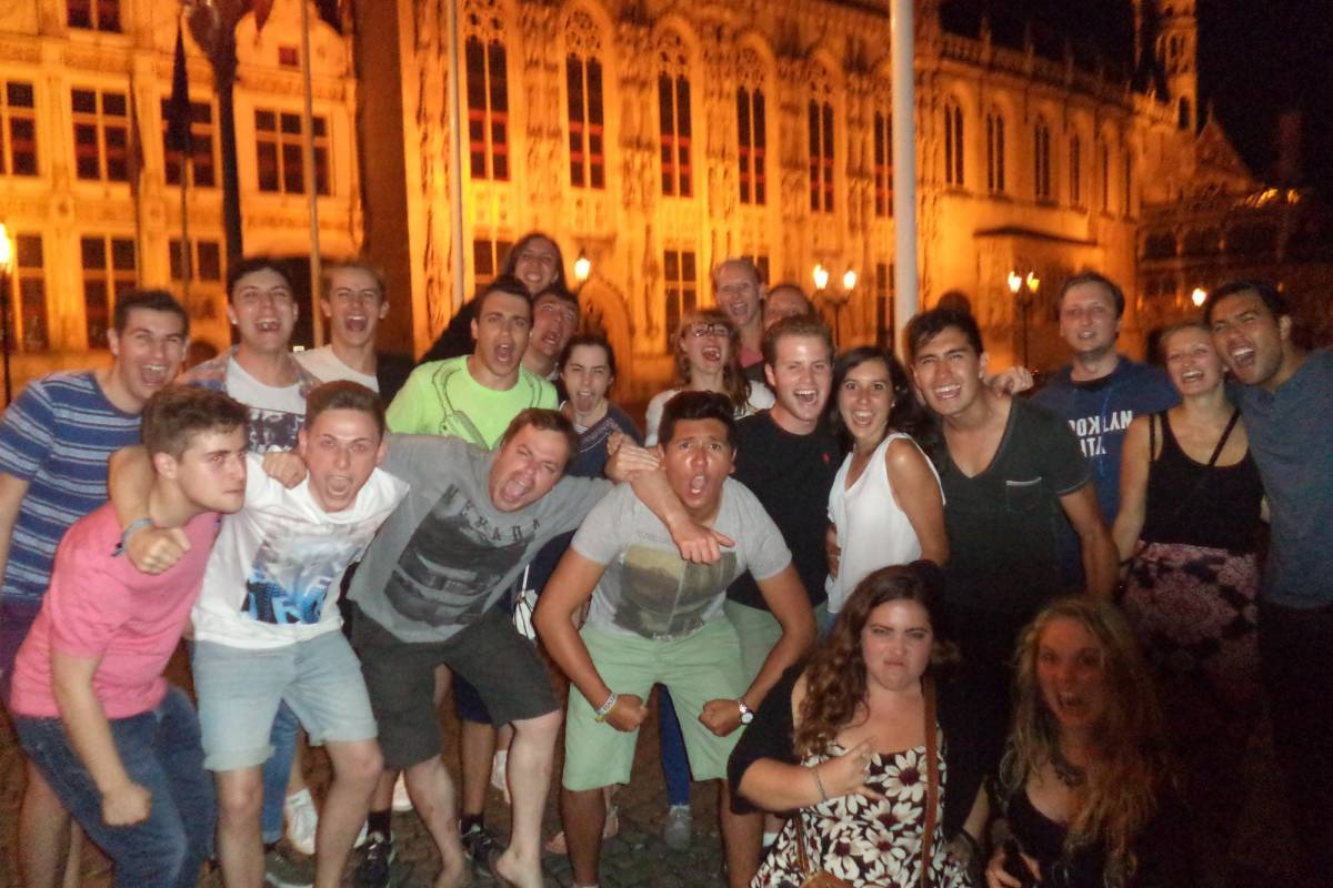 Can You Handle It Tours VZW Brugge Pub Crawl