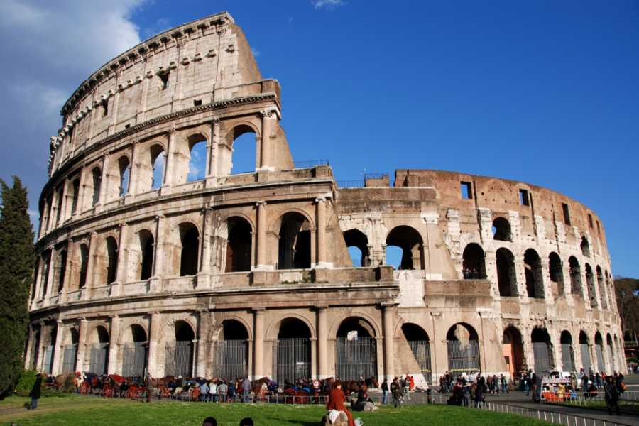 The Rogue Historians Rome Private: The Colosseum and Forum (skip the lines)
