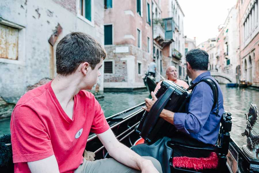 Italy on a Budget tours VENICE GONDOLA RIDE WITH SERENADE