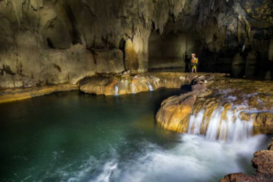 Friends Travel Vietnam The Hang En Cave Experience 2D1N