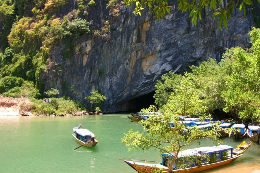 Friends Travel Vietnam Dark Cave & Paradise Cave Experience