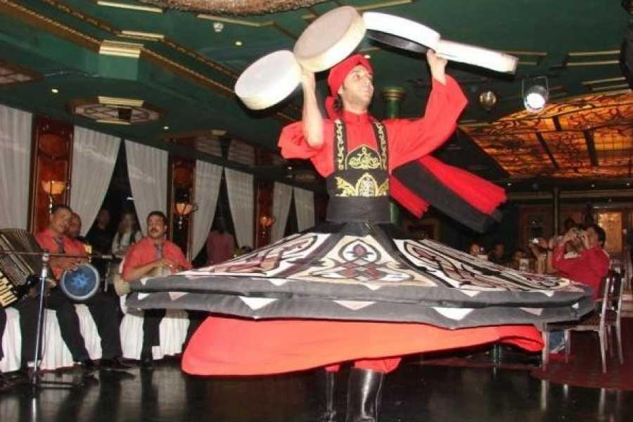 EMO TOURS EGYPT JANTAR CRUISE CAIRO COM MOSTRA DO DANÇARINO DE BARRIGA