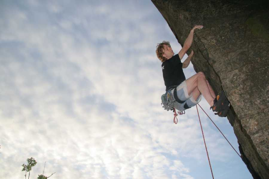 Spa Treks - Activ Adventure Peak District climbing coaching