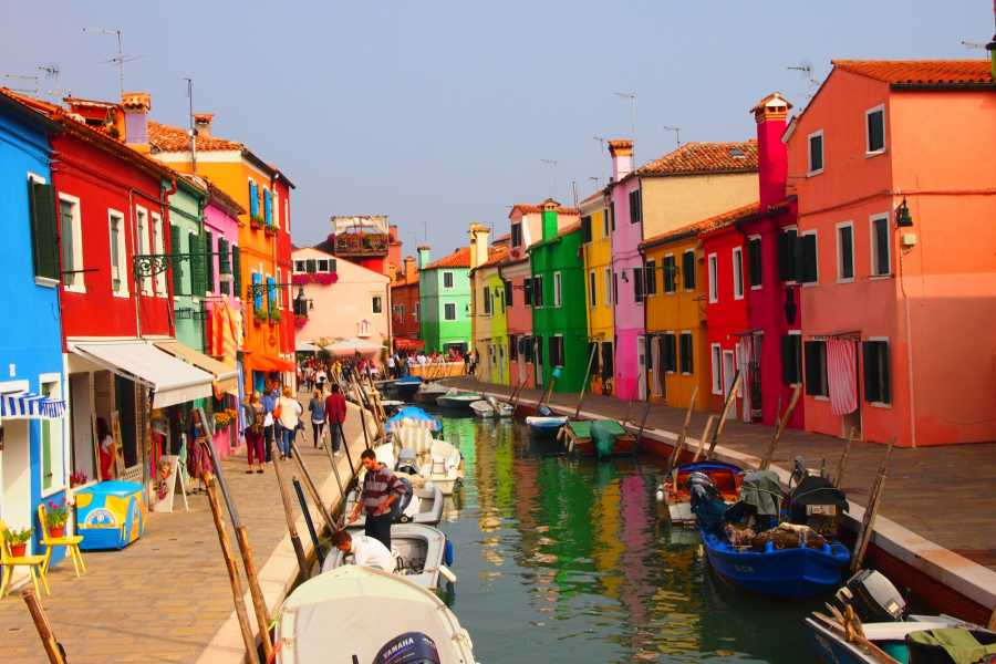 Italy on a Budget tours MURANO, BURANO & TORCELLO ISLANDS