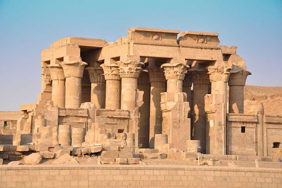 EMO TOURS EGYPT JOURNÉE À L'ASWAN DE LUXOR