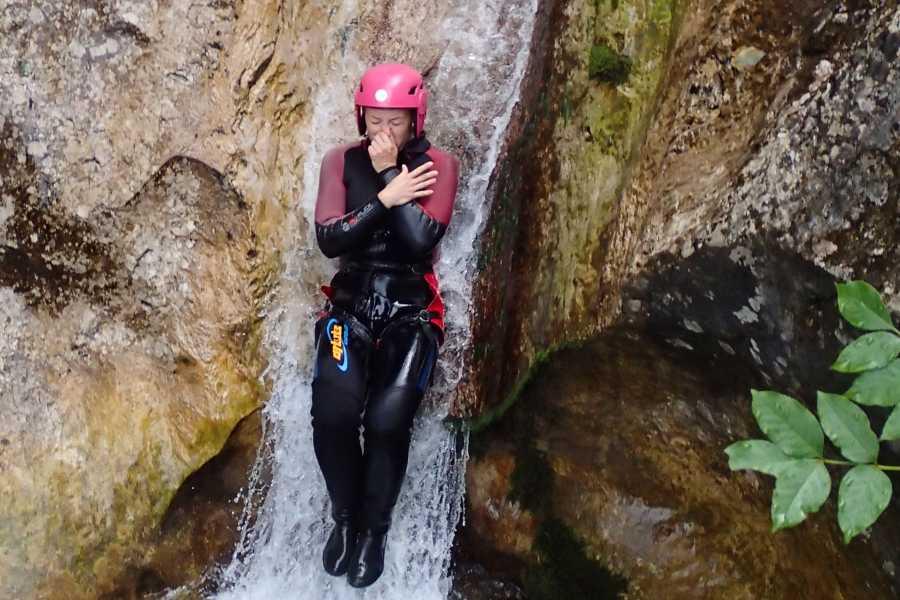 HungaroRaft Kft Canyoning a Sušec-kanyonban