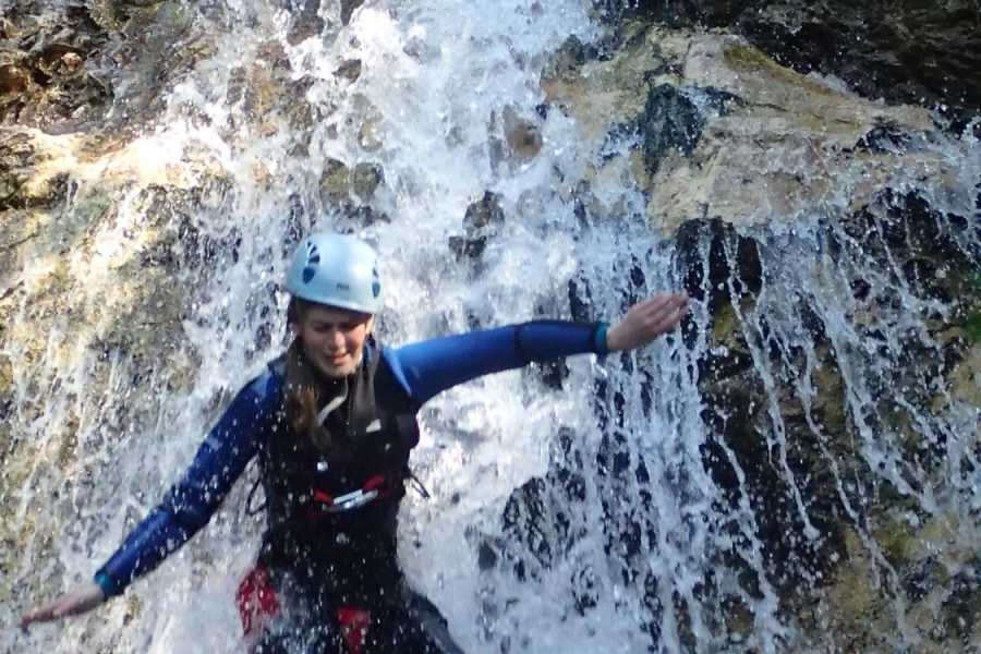 HungaroRaft Kft Canyoning a Fratarica kanyonban