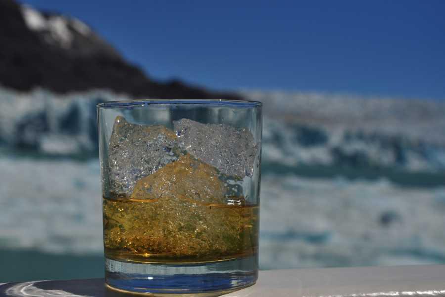 Paula Christensen Ecotours Desde Balmaceda al glaciar O´Higgins (Full CAS)