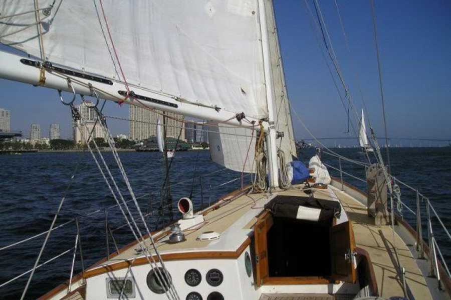 Cacique Cruiser BOAT TO COLOMBIA - Delfin Solo sailboat