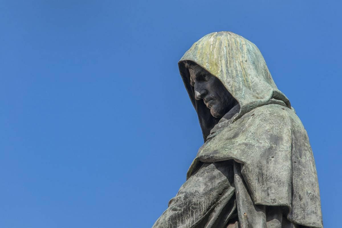 The Rogue Historians Private City Centre Walking Tour