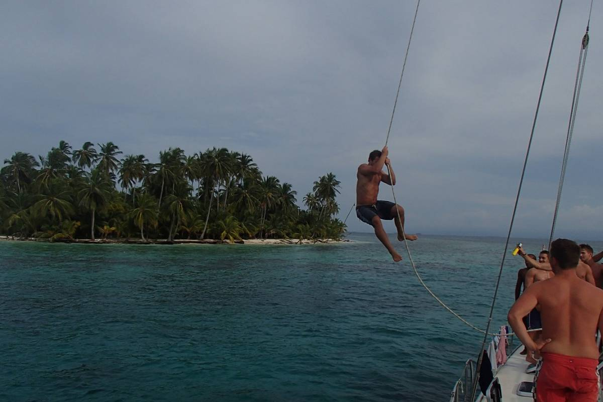 Cacique Cruiser BOAT TO PANAMA - San Blas Catamaran