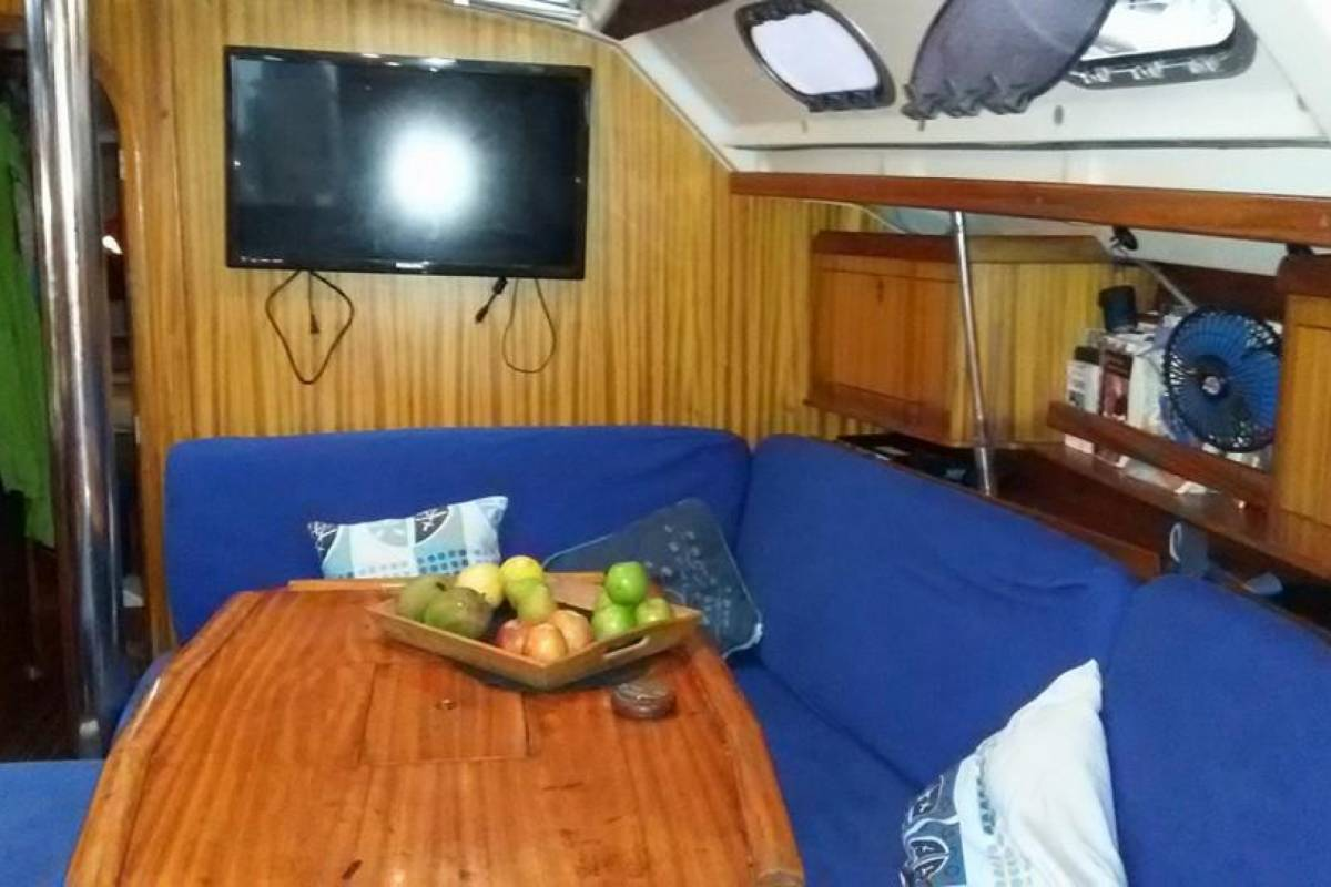 Cacique Cruiser Boat to Panama - Perla Del Caribe
