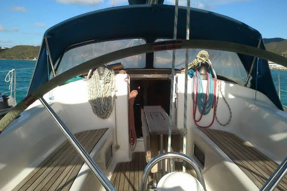 Cacique Cruiser Boat to Panama - Rendezvous