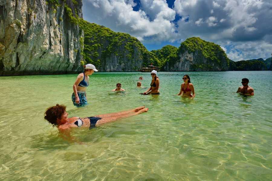 Friends Travel Vietnam Banana Pancake Tour 11 Days