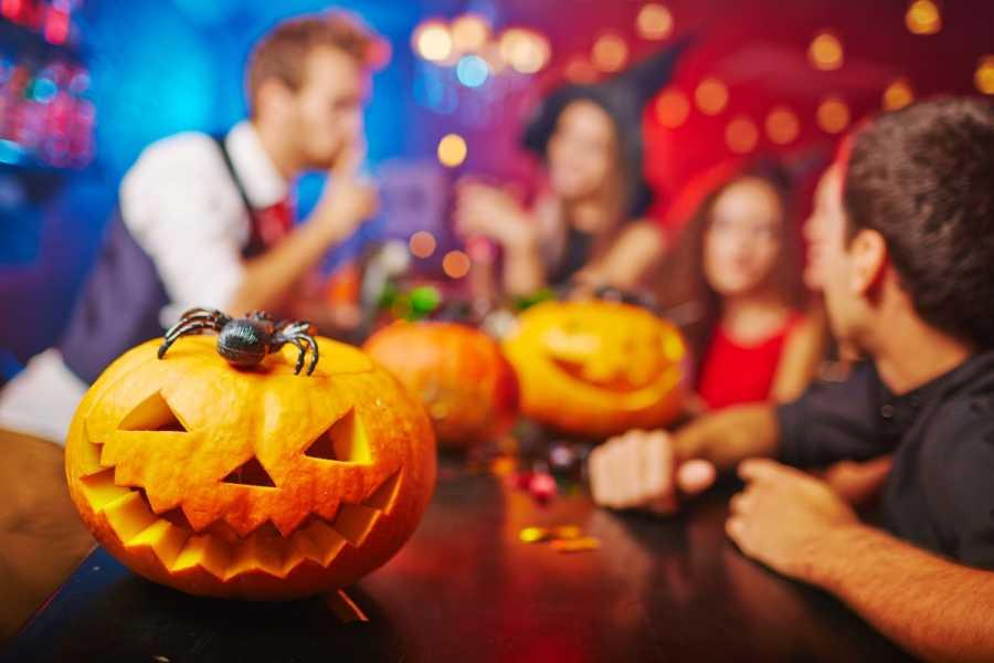 SANDEMANs NEW Lisbon Tours SANDEMANs NEW Lisbon Pub Crawl de Halloween 2018