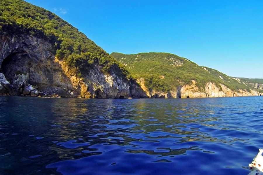 "Leventis 360 IKE Pelion boat trip ""Poseidon's Caves"""