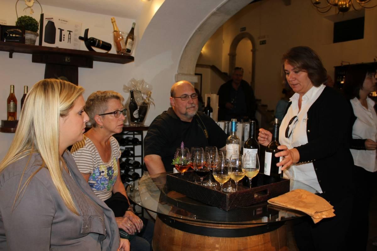 Lisbon On Wheels Azeitão and Alentejo Wine and Food Sampling Tour