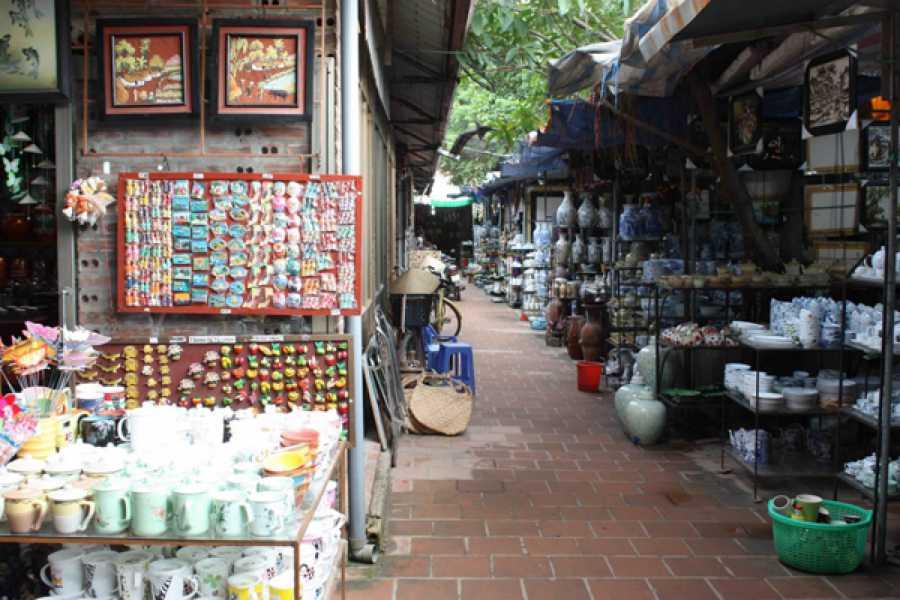 Vietnam 24h Tour Làng gốm Bát Tràng - Làng lụa Vạn Phúc 1 ngày